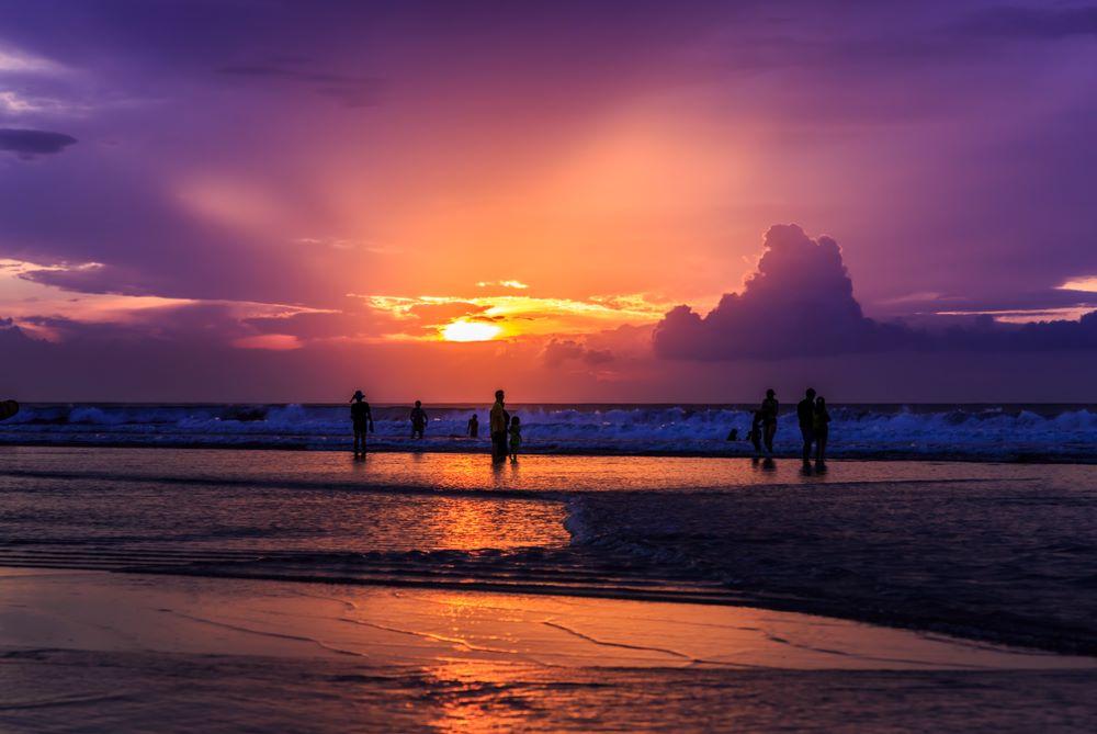 kuta nightlife beach