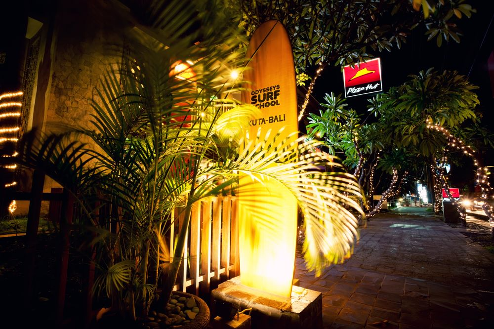 kuta nightlife odysseys surf school